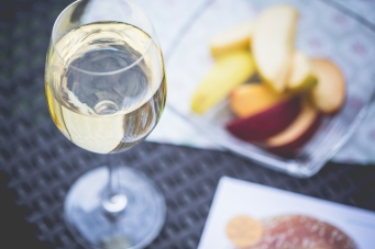 chill-out-with-glass-of-wine-picjumbo-com